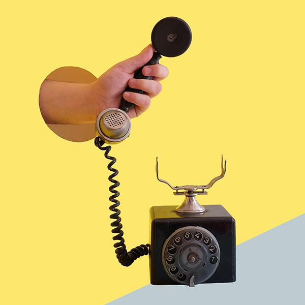 Téléphoner au salon